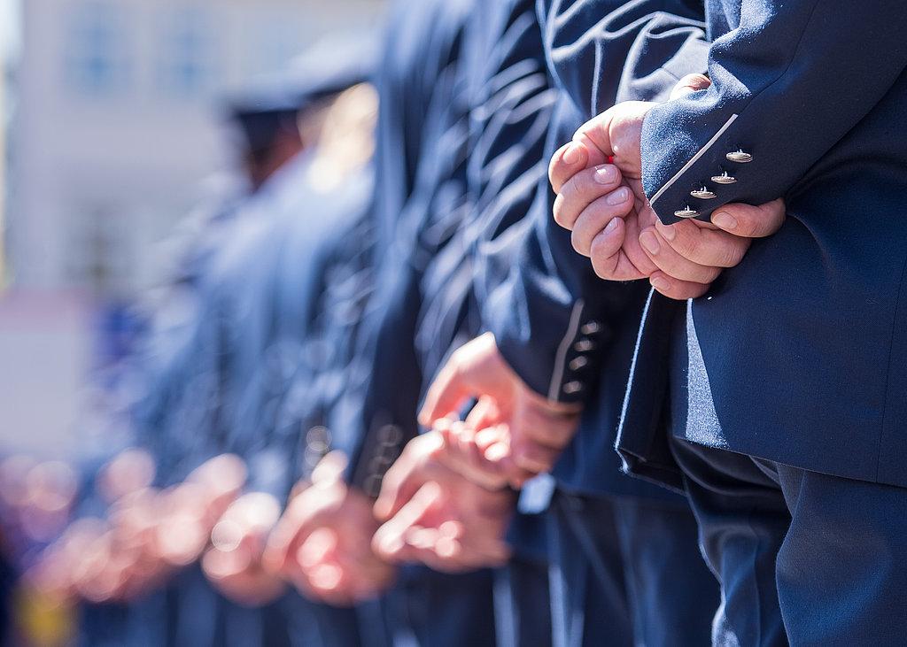 Vereidigung der neuen Polizistinnen und Polizisten auf dem Domplatz